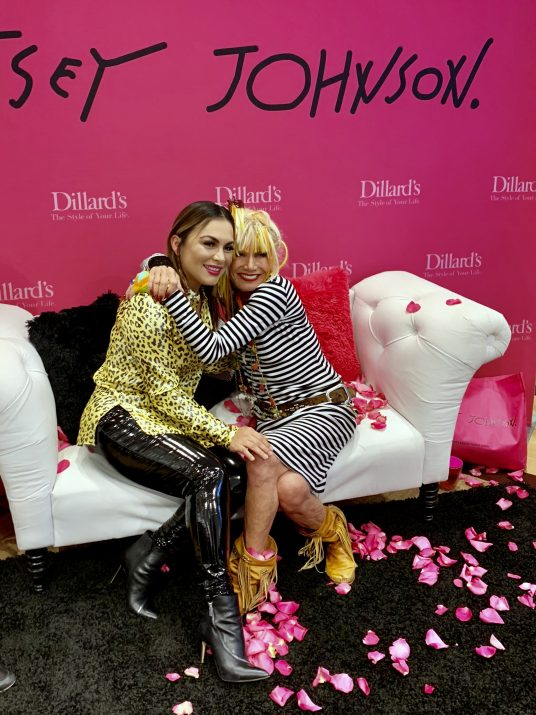 lizostyle cafe con ellas betsey Johnson